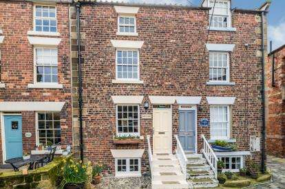 4 Bedrooms House for sale in Chapel Yard, Staithes, Saltburn By The Sea, North Yorkshire