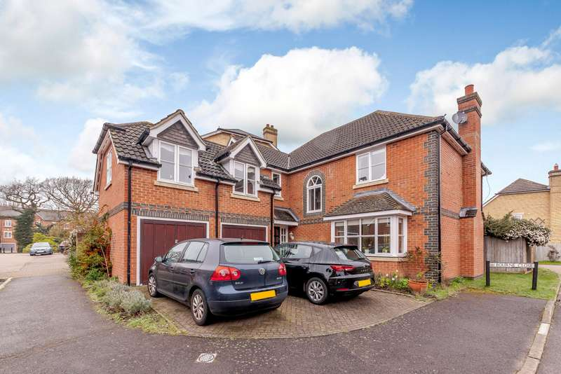 5 Bedrooms Detached House for sale in Bourne Close, Thames Ditton, KT7
