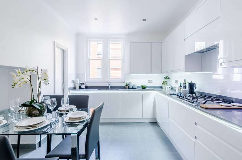 3 Bedrooms Flat for sale in Great Portland Street, Marylebone, W1W