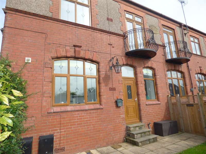 3 Bedrooms Semi Detached House for sale in Conservative House, Staley Street, Springhead, OL4