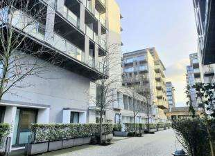 House for sale in East Carriage House, Royal Carriage Mews, Woolwich, London