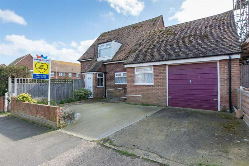 3 Bedrooms Detached House for sale in Guildford Avenue, Westgate-On-Sea