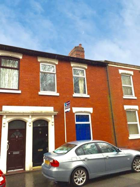 5 Bedrooms Terraced House for sale in Manchester Road, Preston, PR1