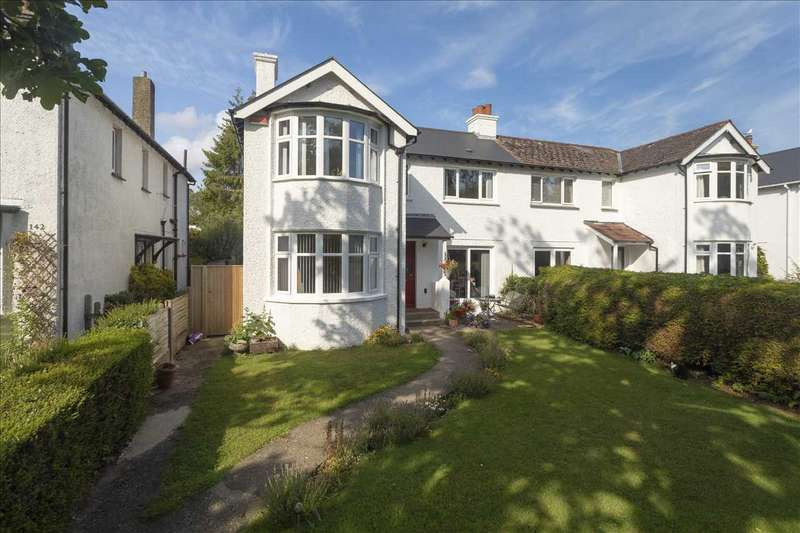 4 Bedrooms Semi Detached House for sale in Lower Road, River