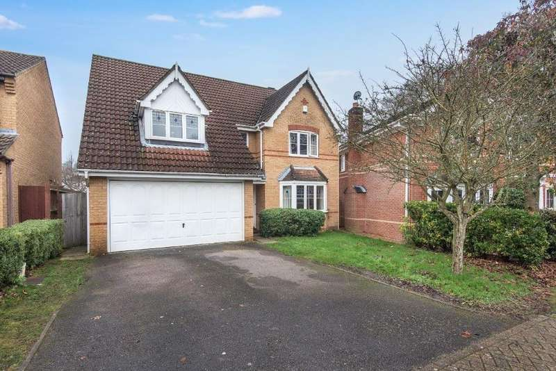 4 Bedrooms Detached House for sale in Sovereign Crescent, Fareham, PO14