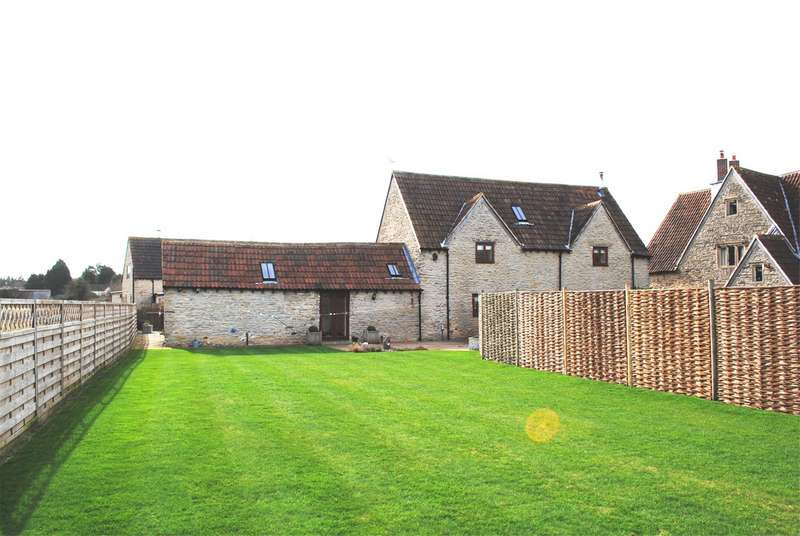 3 Bedrooms Detached House for sale in The Ox Barn, Coxgrove Hill, Pucklechurch, Bristol, BS16