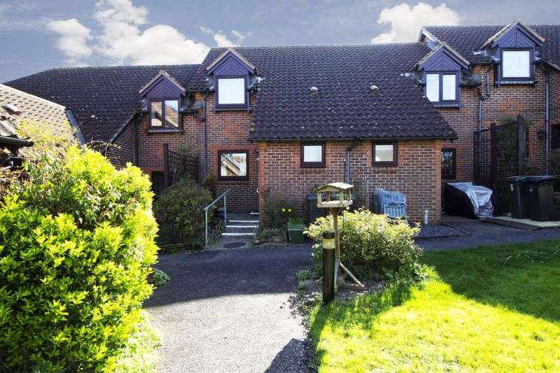 2 Bedrooms Property for sale in Old School Mews, Stowmarket, IP14 1ND