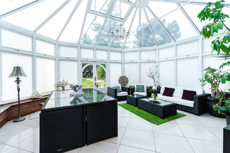 8 Bedrooms Detached House for sale in The Drive, London, E18