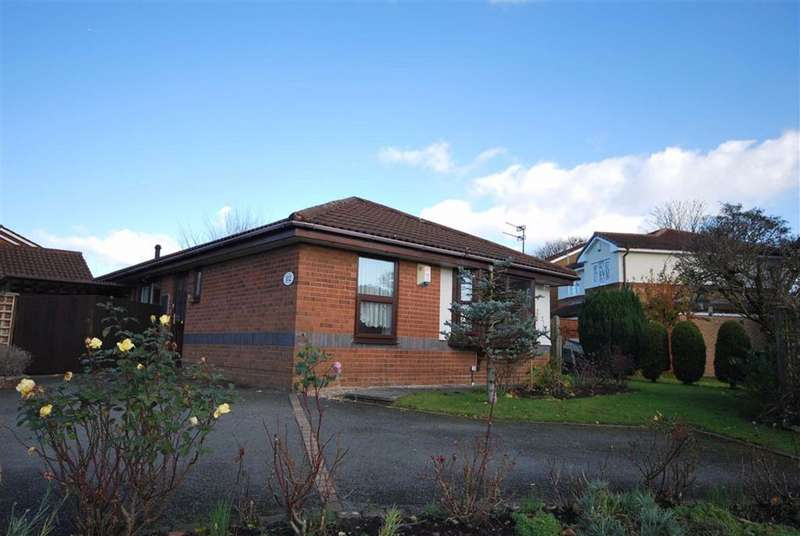 3 Bedrooms Detached Bungalow for sale in Whittingham Drive, Bury, Greater Manchester, BL0