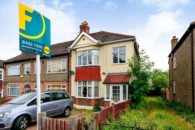 3 Bedrooms House for sale in Penderry Rise, Catford, SE6