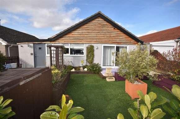 3 Bedrooms Property for sale in Edmunds Road, Cranwell Village, Sleaford