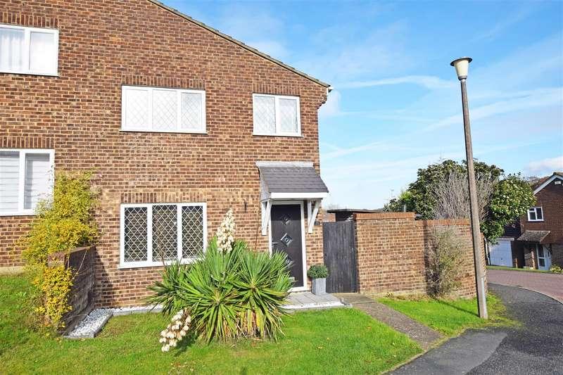 3 Bedrooms Property for sale in Cedar Grove, Hempstead, Gillingham
