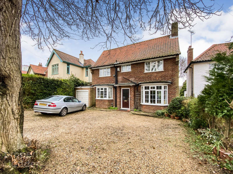 3 Bedrooms Detached House for sale in Telegraph Lane East, Norwich