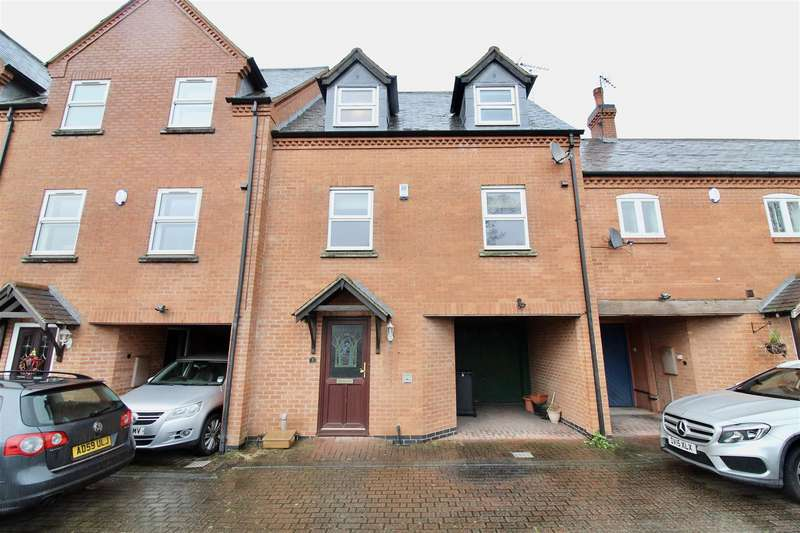 4 Bedrooms Town House for rent in Main Street, Zouch, Loughborough