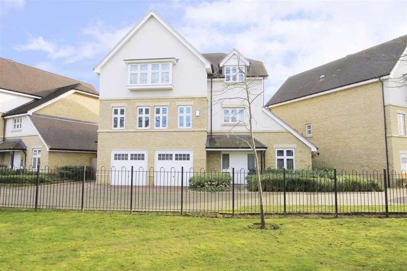 6 Bedrooms Detached House for sale in Harecroft Lane, Ickenham, UB10
