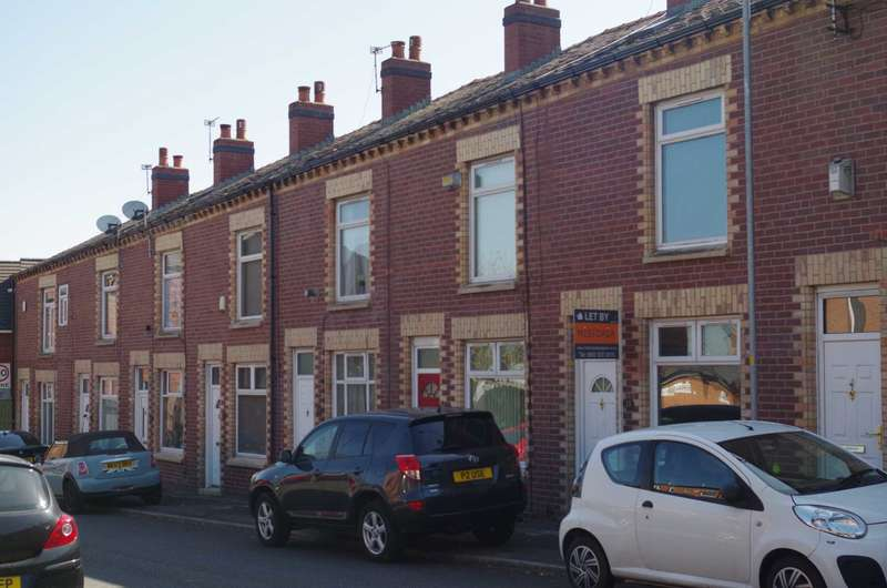 4 Bedrooms House Share for rent in Bashall Street, Bolton