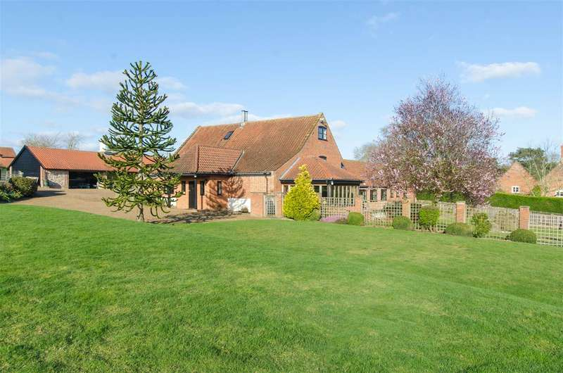 7 Bedrooms Detached House for sale in South Norfolk, NR14