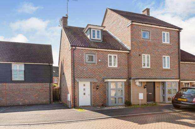 3 Bedrooms Semi Detached House for sale in ., Basingstoke, Hampshire
