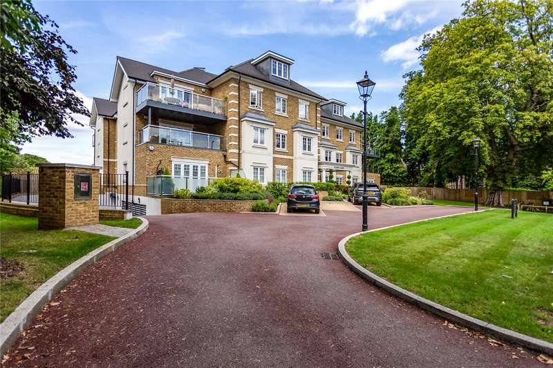 2 Bedrooms Flat for sale in Elder Court, Magpie Hall Road, Bushey, Hertfordshire, WD23