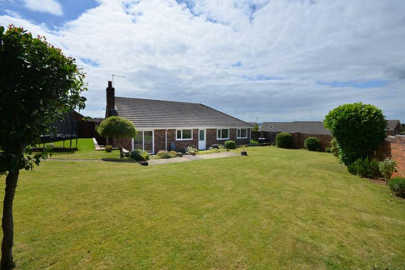 4 Bedrooms Detached Bungalow for sale in Tintern Close, Kirkby-in-Ashfield, Nottingham, Nottinghamshire, NG17