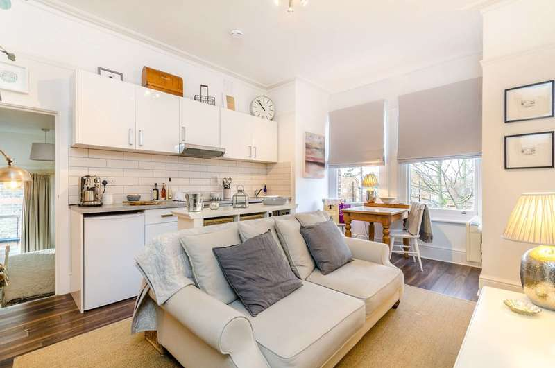 1 Bedroom Flat for sale in Rodway Road, Bromley, BR1