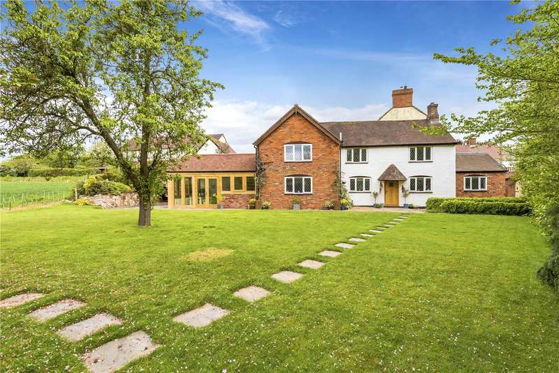 4 Bedrooms Detached House for sale in The Cottage, 17 Wellington Road, Church Aston, Newport, Shropshire, TF10