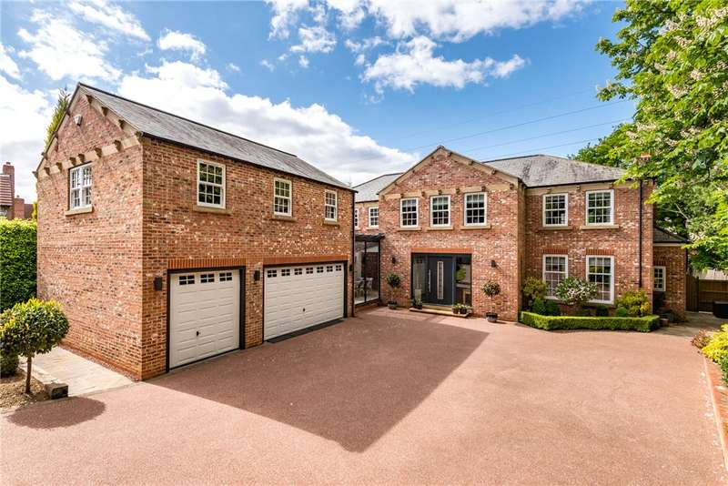 5 Bedrooms Detached House for sale in Woodthorpe Drive, Wakefield, West Yorkshire