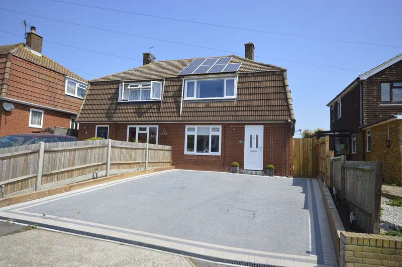 2 Bedrooms Semi Detached House for sale in Kingshill Drive, Hoo, Rochester, Kent, ME3