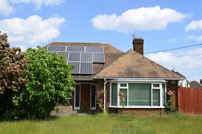 3 Bedrooms Bungalow for sale in Kirton Road, Greetwell
