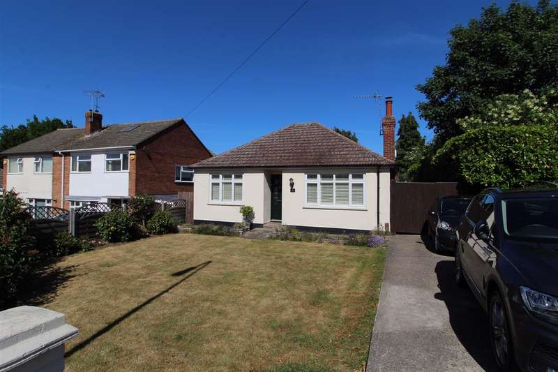 2 Bedrooms Detached Bungalow for sale in Old Heath Road, Colchester
