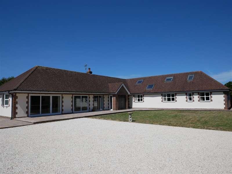 5 Bedrooms Detached House for sale in Highground Lane, Barnham