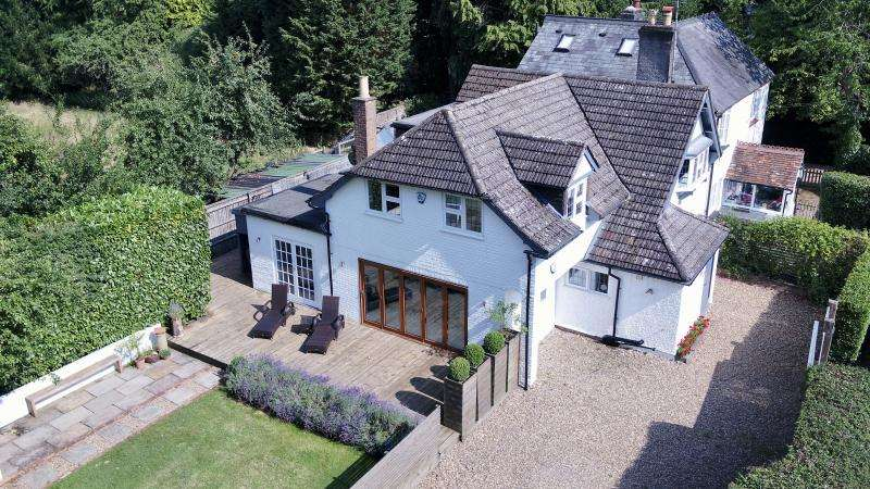 3 Bedrooms Semi Detached House for sale in Potter Row, GREAT MISSENDEN, HP16