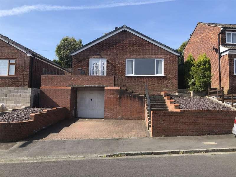 3 Bedrooms Detached Bungalow for sale in Carlton Close, Blackrod, BL6 5DL