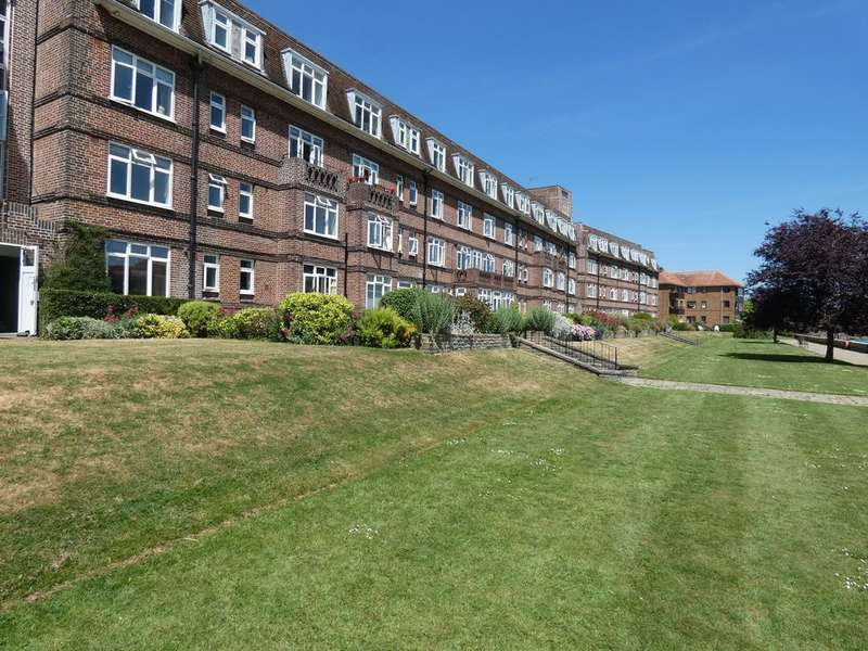 3 Bedrooms Flat for rent in Thames Eyot
