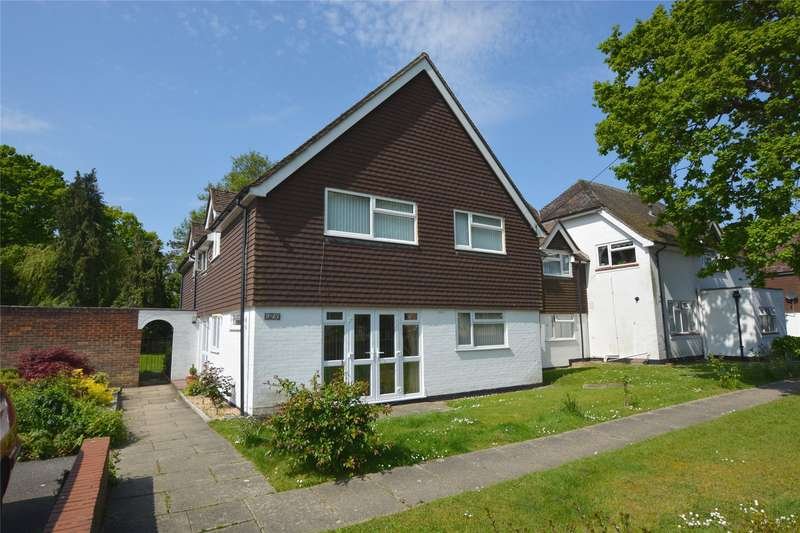 1 Bedroom Flat for sale in Monks Court, Waterford Lane, Lymington, Hampshire, SO41