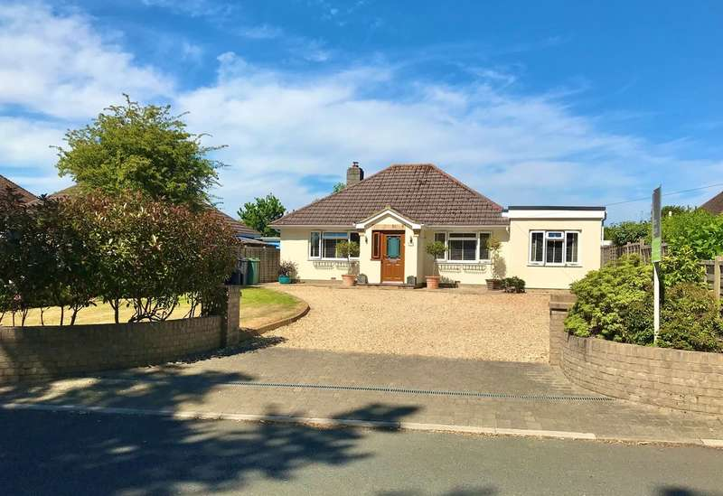 4 Bedrooms Detached Bungalow for sale in Alverstone Road, Whippingham