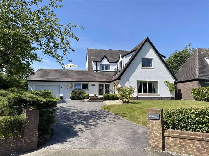 4 Bedrooms Detached House for sale in Moss Side Lane, Wrea Green