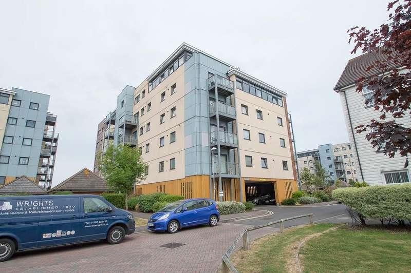 3 Bedrooms Flat for sale in Groombridge Avenue, Eastbourne
