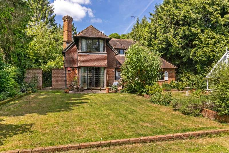 5 Bedrooms Detached House for sale in Lanham Lane, Winchester, SO22