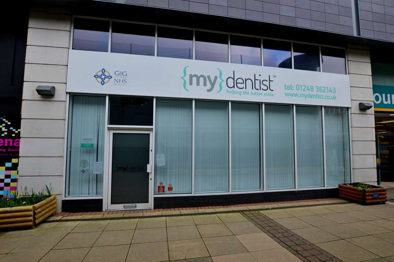 Commercial Property for rent in Cathedral Walk, Menai Centre, Bangor, LL57