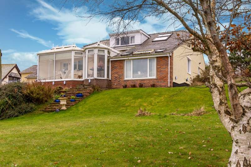 4 Bedrooms Detached House for sale in Bull Bay, Amlwch, Anglesey, LL68