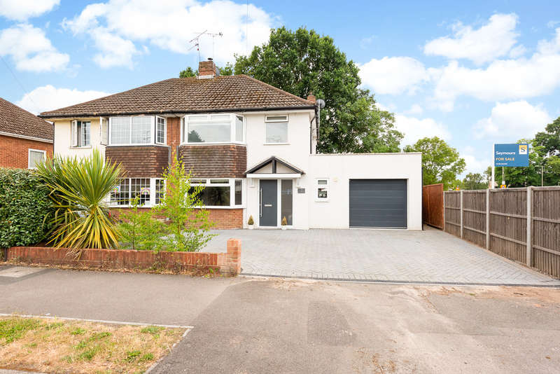 3 Bedrooms Semi Detached House for sale in Mayfield Road, Farnborough