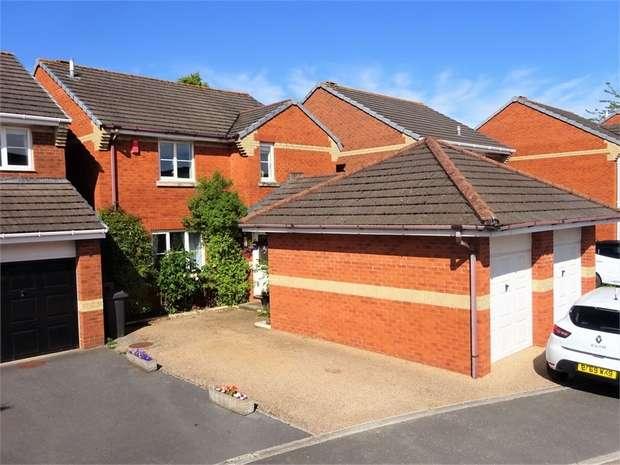 5 Bedrooms Detached House for sale in Well Oak Park, Wyvern Park, EXETER, Devon