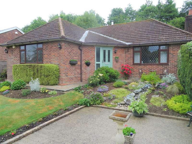 3 Bedrooms Detached Bungalow for sale in Church Road