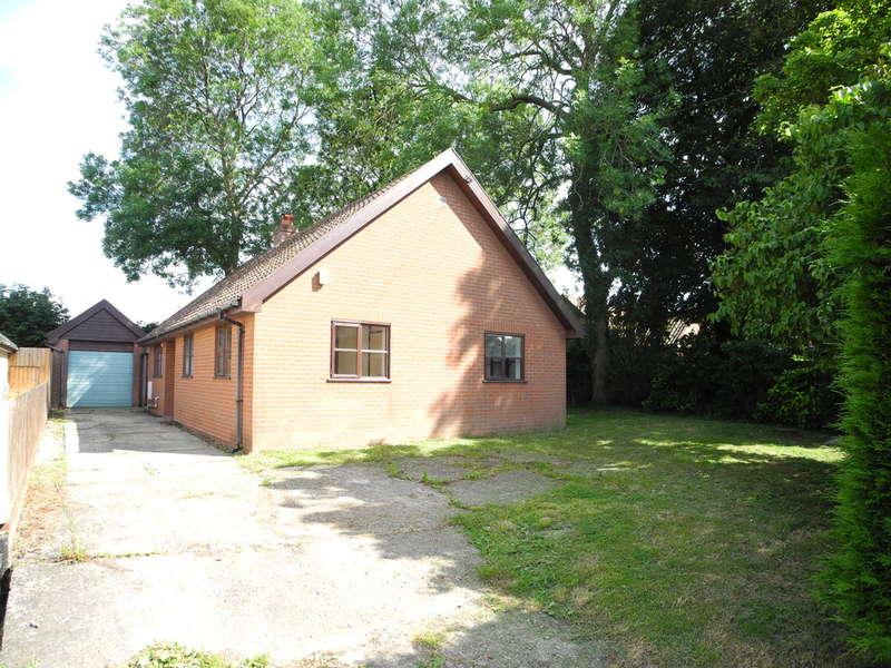 3 Bedrooms Detached Bungalow for sale in Topcroft Street, Topcroft