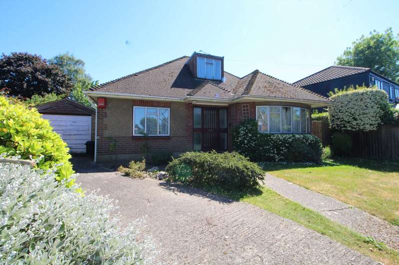 3 Bedrooms Detached Bungalow for sale in St Johns Avenue, Brentwood