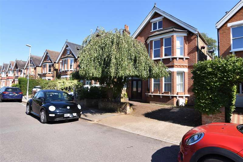 5 Bedrooms Detached House for sale in Latchmere Road, Kingston upon Thames