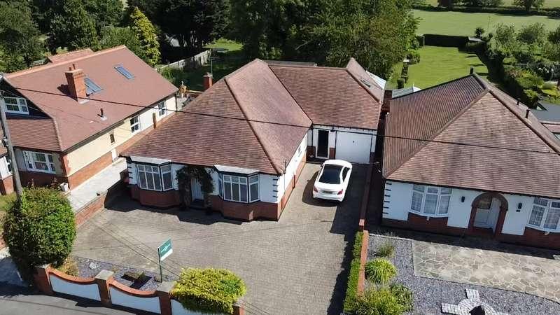 5 Bedrooms Detached Bungalow for sale in Sharpenhoe Road, Streatley, Bedfordshire, LU3
