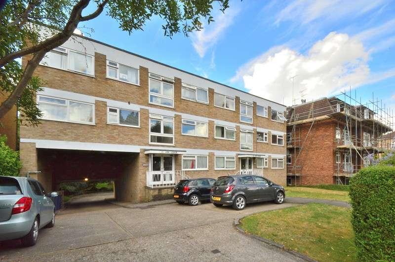 1 Bedroom Flat for sale in Lisa Lodge, Station Road, Barnet, Hertfordshire. EN5