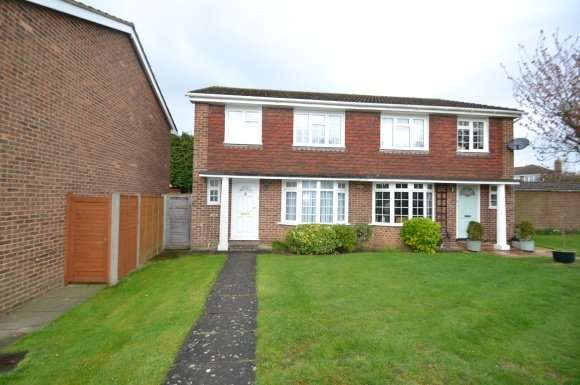 3 Bedrooms Property for rent in Brompton Drive, Maidenhead